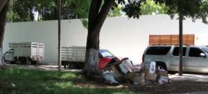 Vehículo blindado y basura de la Zorrilla