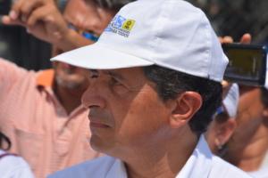 Carlos Joaquín se rindió rápido