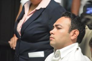 El diputado José Carlos Toledo se hace el occiso, pero no lo veían a él, sino a su vecino, el expriista Juan Pereyra.
