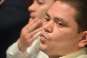 Con amor, el expriista y ahora diputado independiente, Juan Peryera, emitió un voto de valía contra la propuesta del PRI.