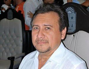 Manuel Tzab Castro ya se ve como titular de la SEYQ