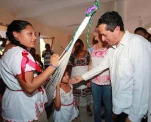 Los ciudadanos no pueden dejar solo a Carlos Joaquín para que mueva los hilos y se vaya el Fiscal